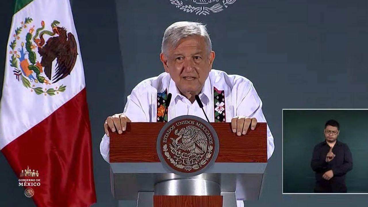 Economía mexicana tocará fondo en segundo trimestre, reconoce AMLO