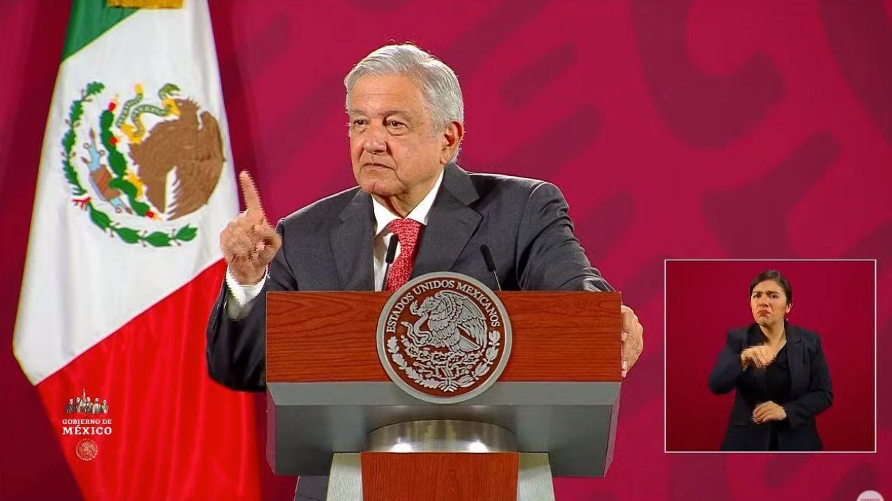 Gobierno de Peña Nieto descalificó a empresas de Slim por insolvencia económica: AMLO