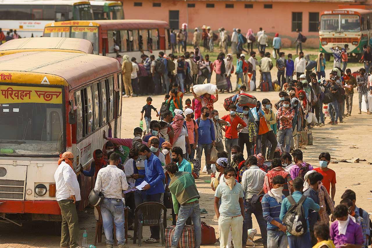 Llaman a confinamiento total en India tras llegar a 20 millones de casos