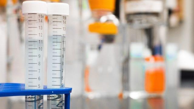 hidroxicloroquina-covid-19-medicamento-permiso-retirado