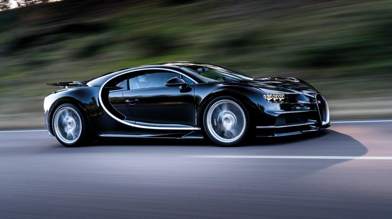 Karim Benzema presume su Bugatti Chiron y revienta las redes sociales