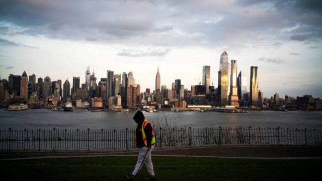 Nueva York registra su primer día libre de muertes por Covid-19