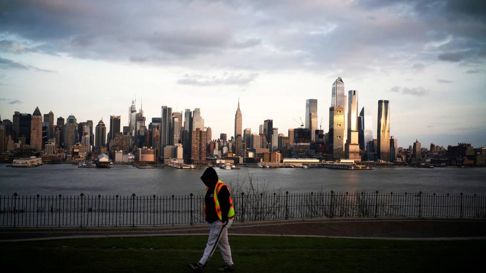 Investigan concierto en Nueva York por 'atroces' violaciones al distanciamiento social