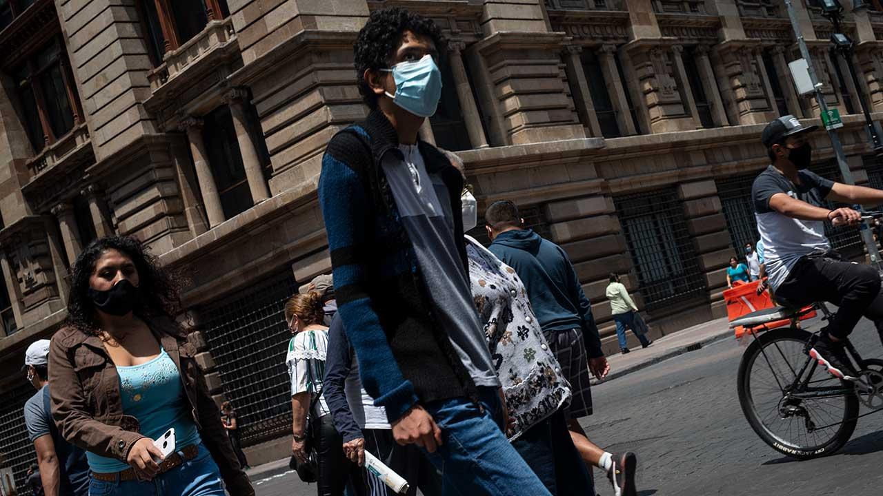 México rebasa los 300,000 contagios confirmados de Covid-19