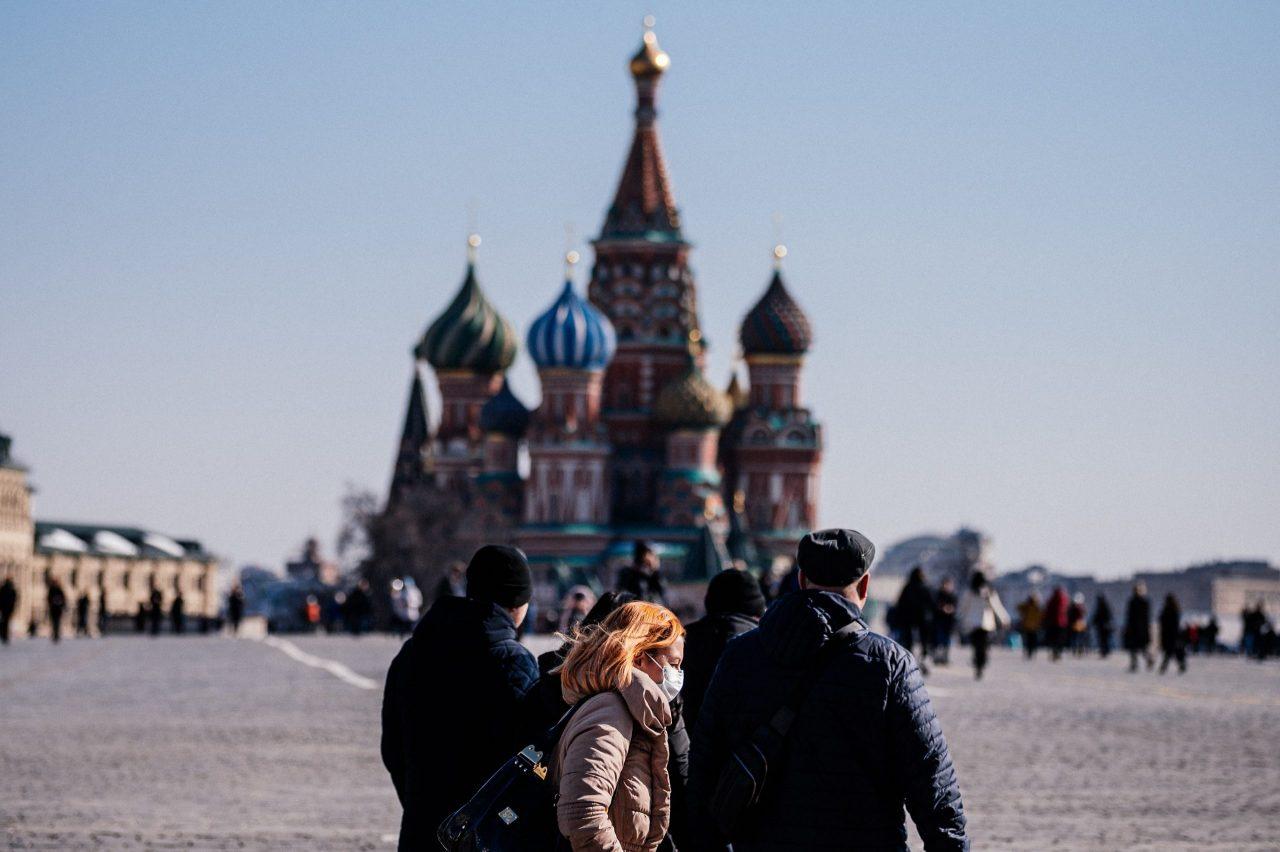 Rusia reporta primer caso en el mundo de infección humana con cepa H5N8 de gripe aviar