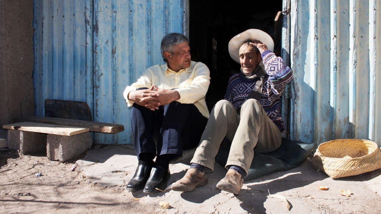 López Obrador felicita a los padres en su día durante la nueva normalidad