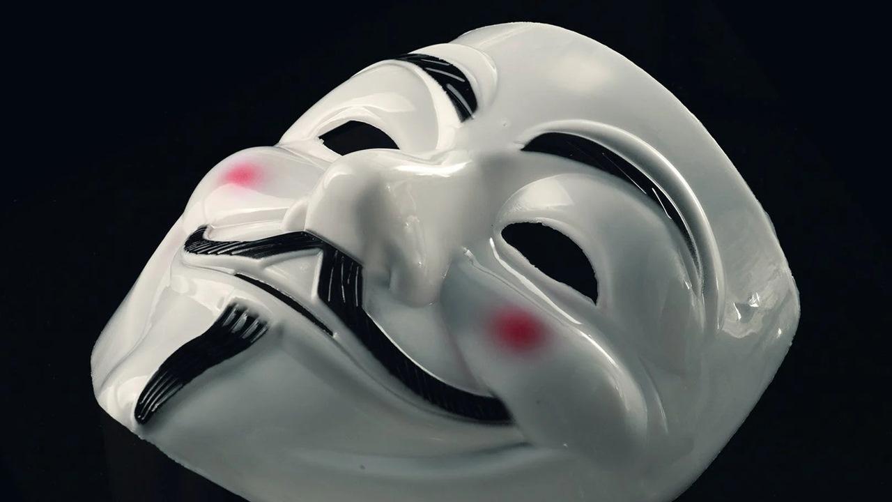 Hackers y simples seguidores revitalizan el nombre de Anonymous