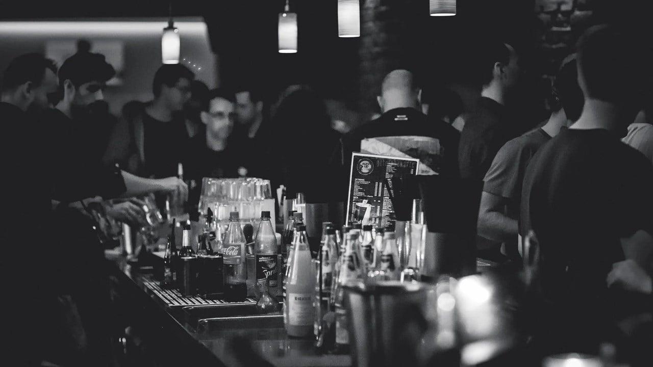 Productor de Don Julio destinará 100 mdd para apoyar a bares y pubs
