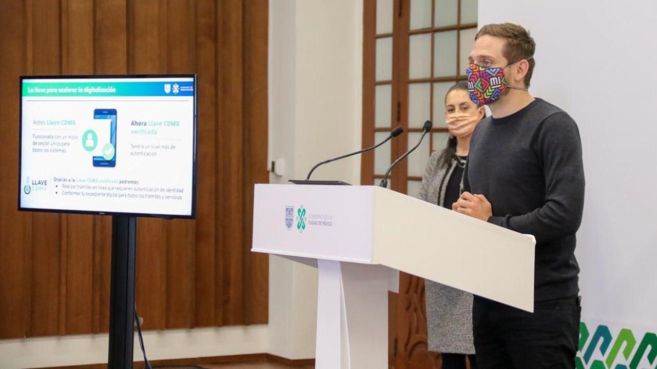 CDMX refuerza su Llave para trámites digitales y lanza chatbot para WhatsApp
