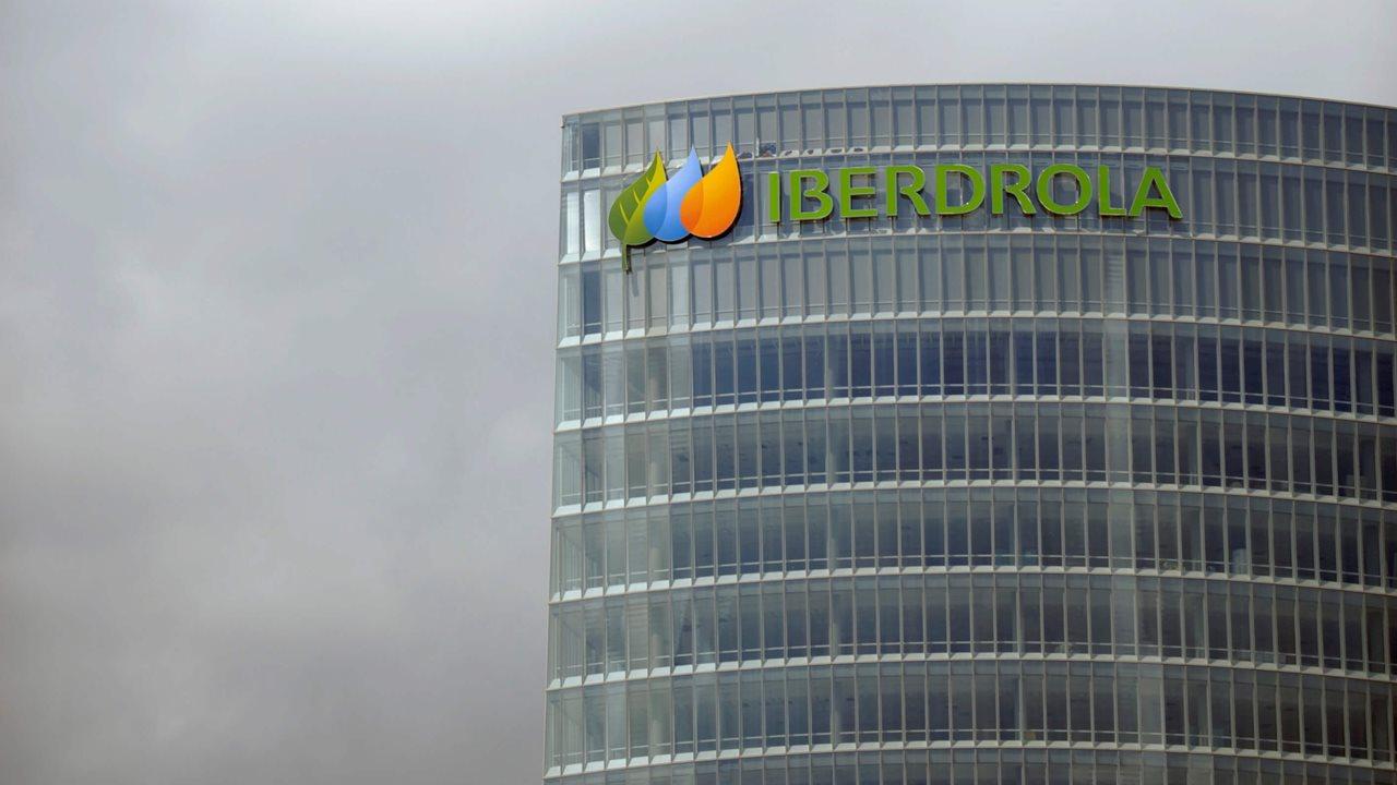 Iberdrola firma contrato para suministrar energía limpia a Bayer México