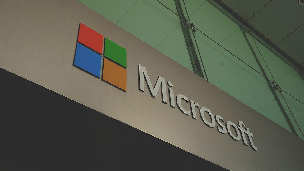 Microsoft alerta a miles de clientes en la nube de bases de datos expuestas