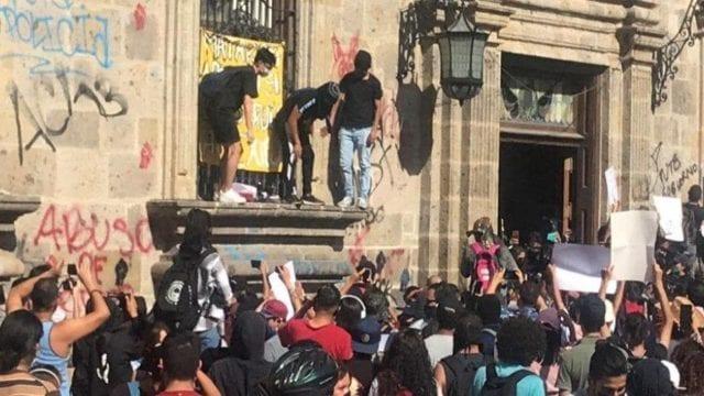 """Antes de la protesta de Giovanni, policía dice, """"los vamos a matar"""""""