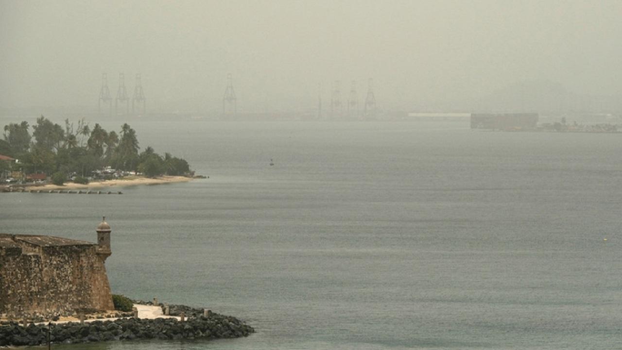 Ante nube de polvo del Sahara, enfermos deben permanecer en casa: López-Gatell