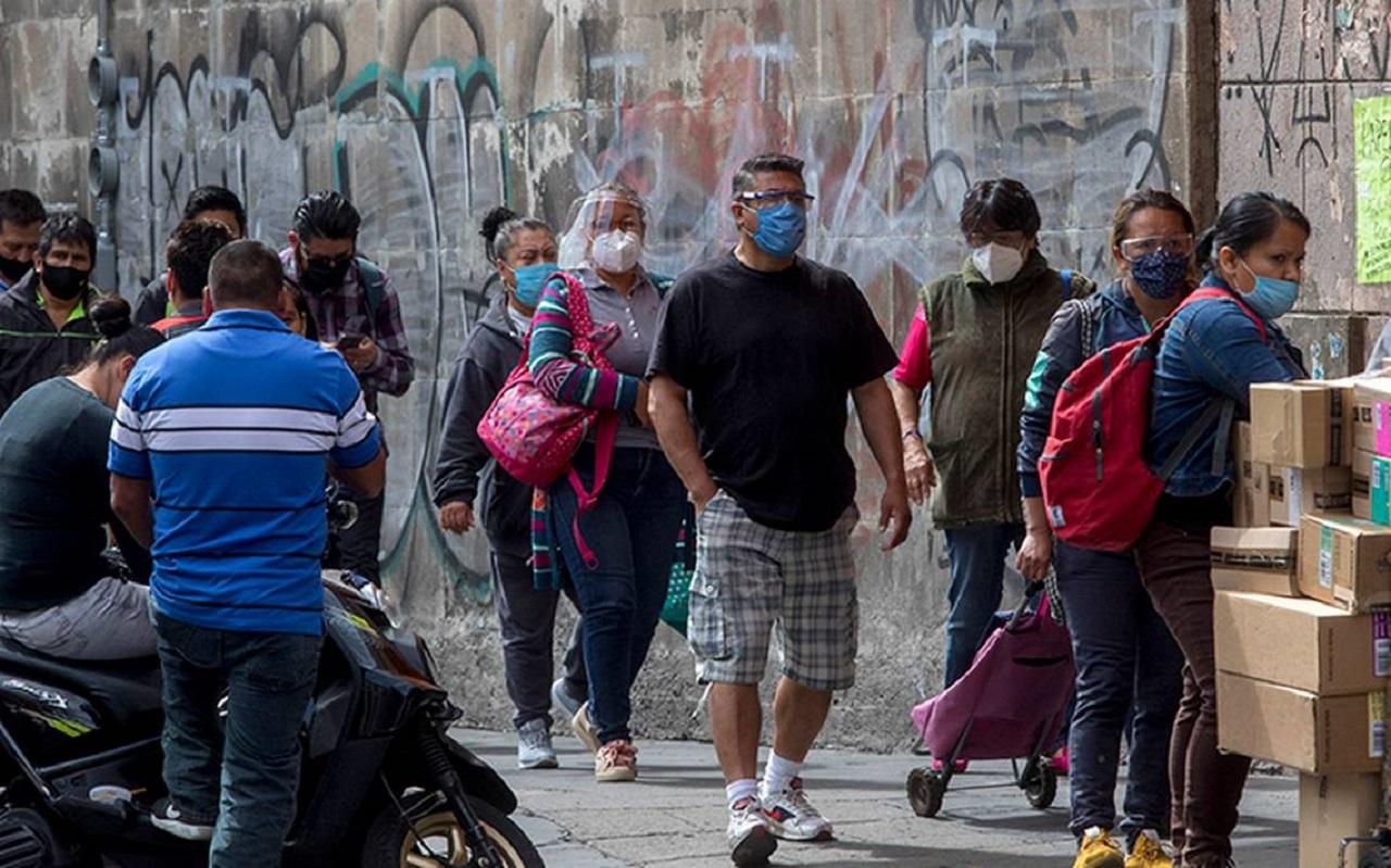 La pandemia registra su peor día con 13,000 muertes y casi 700,000 contagios