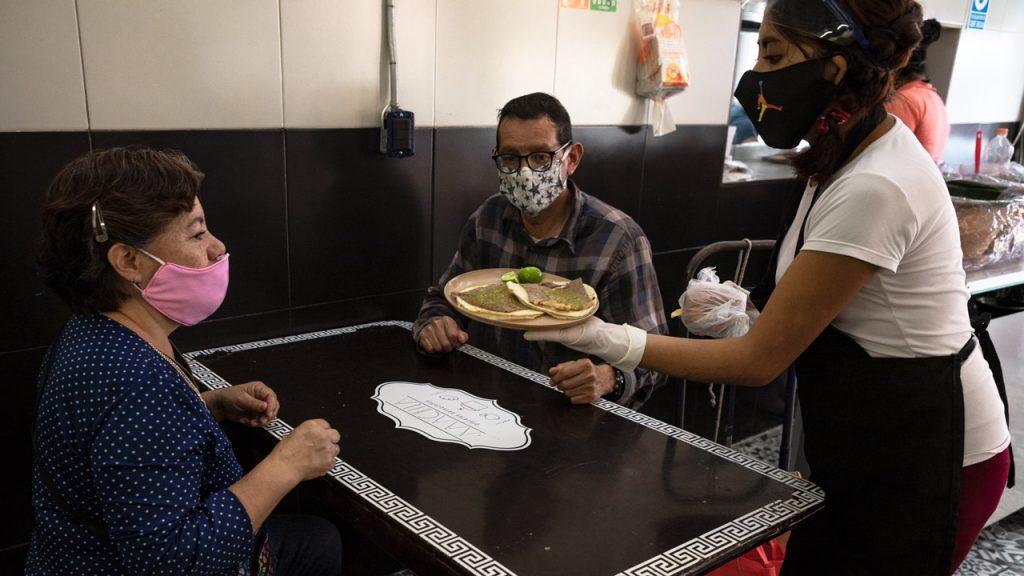 Coronavirus Restaurantes Covid-19 trabajo alimentos comedor comida meseros empleo restaurante