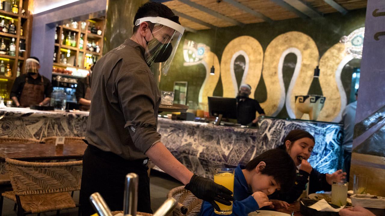 El aforo en restaurantes ya se acerca al tope en CDMX, pero no sale para el gasto