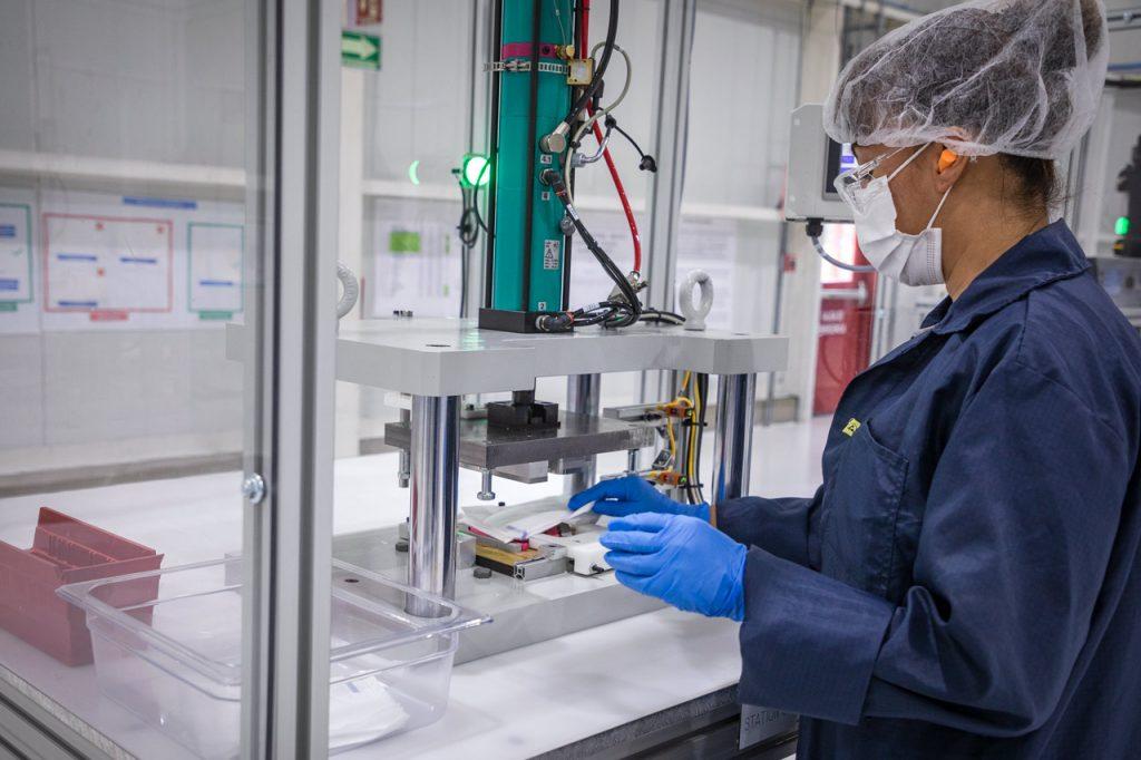 trabajadores empleo empleados General Motors Cubrebocas mascarillas coronavirus