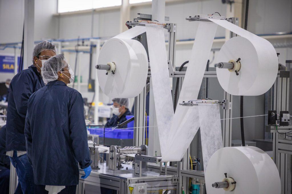 trabajadores empleo empleados General Motors Cubrebocas mascarillas coronavirus 05