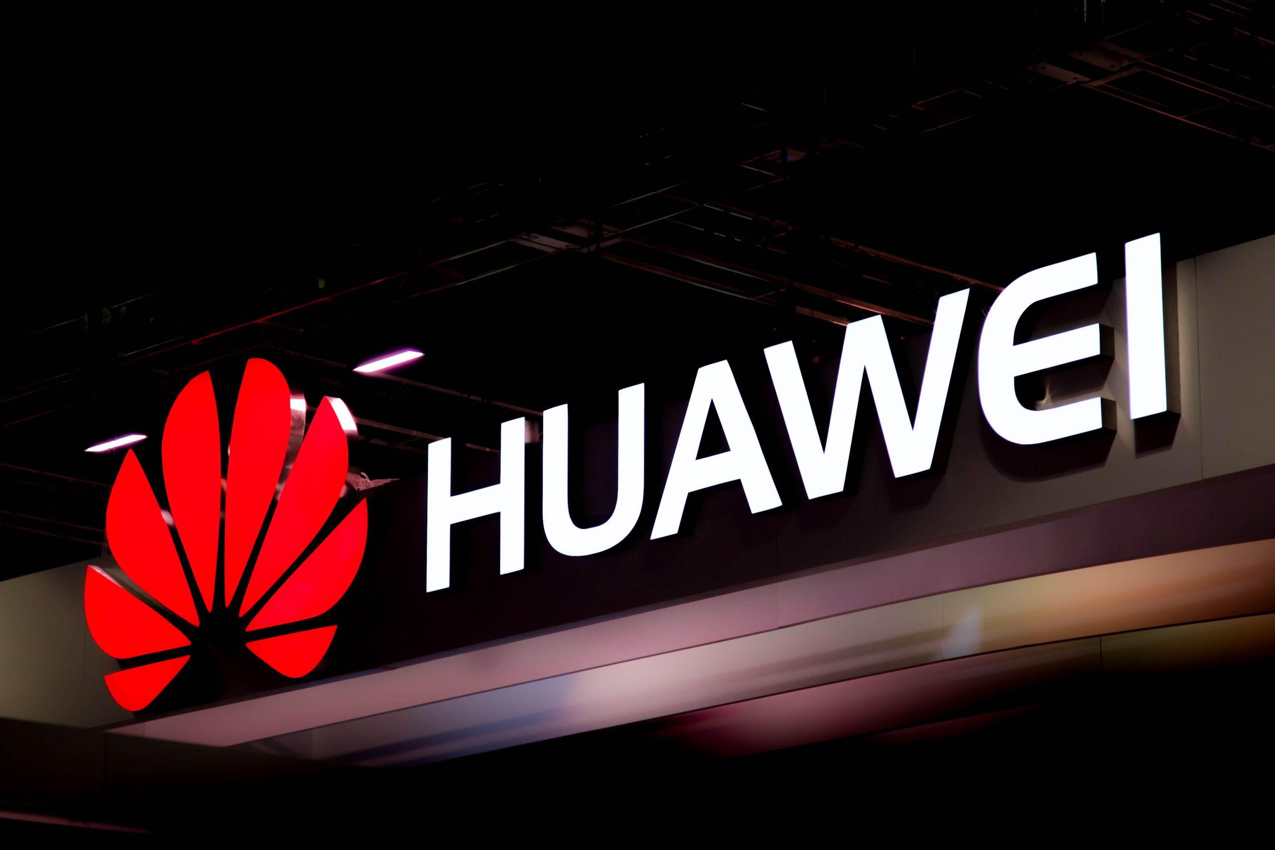 EU presiona para sacar a Huawei de Unión Europea