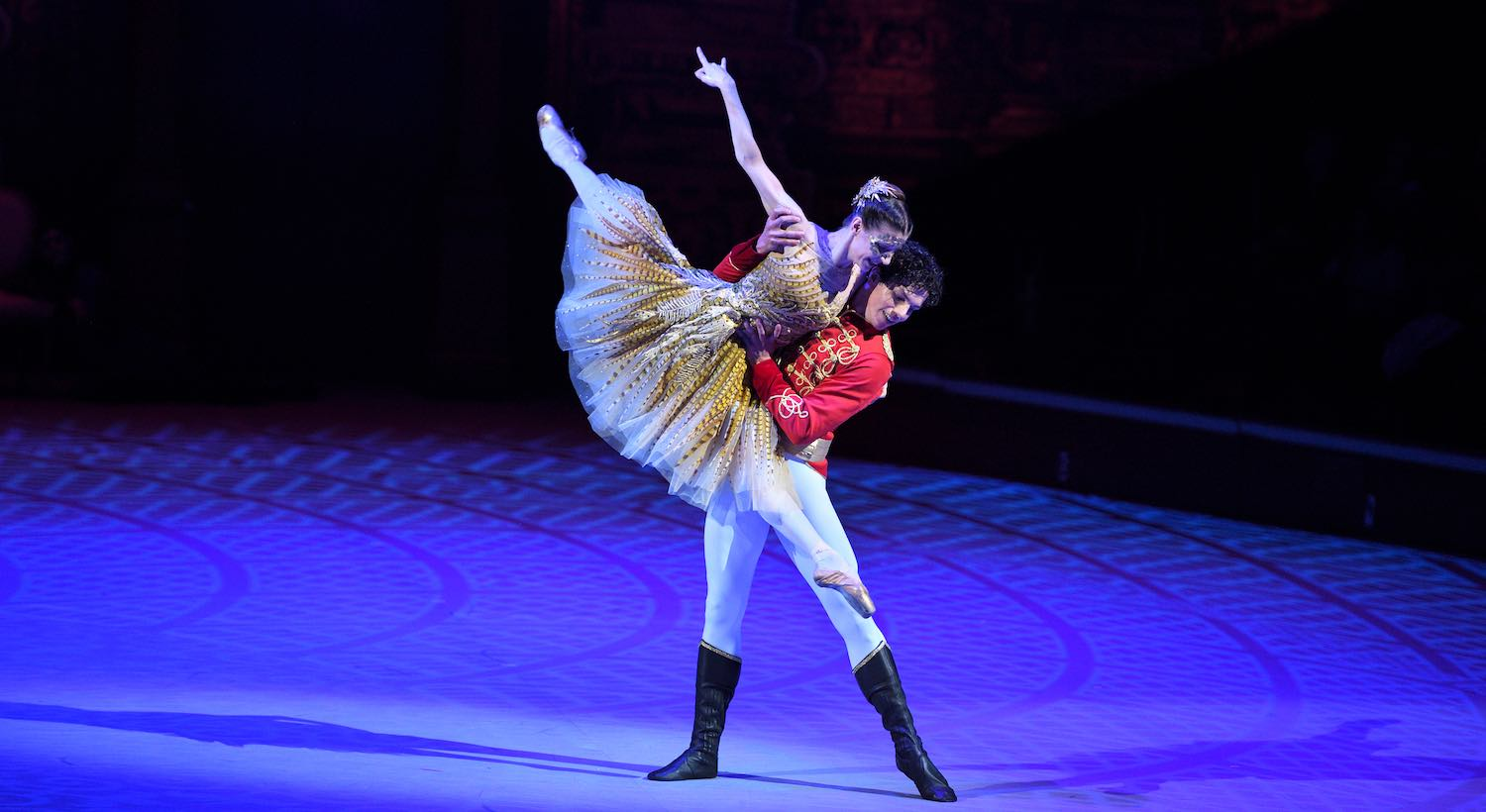The English National Ballet te invita a ver 'La Cenicienta' con Isaac Hernández