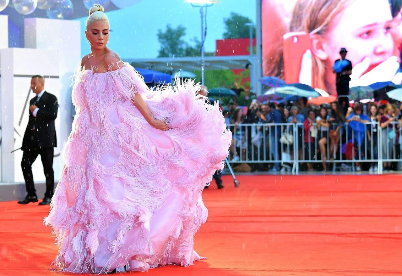 Lady Gaga es la embajadora de la nueva fragancia de Valentino