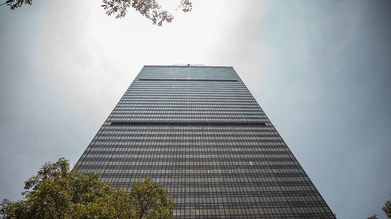[Aclaración] Fracaso constante de Pemex en cumplir sus metas de producción es un riesgo relevante: Barclays