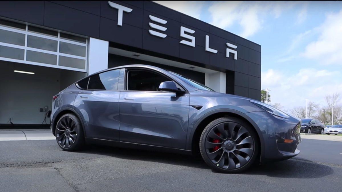Tesla obtuvo ganancias por 721 mdd durante 2020