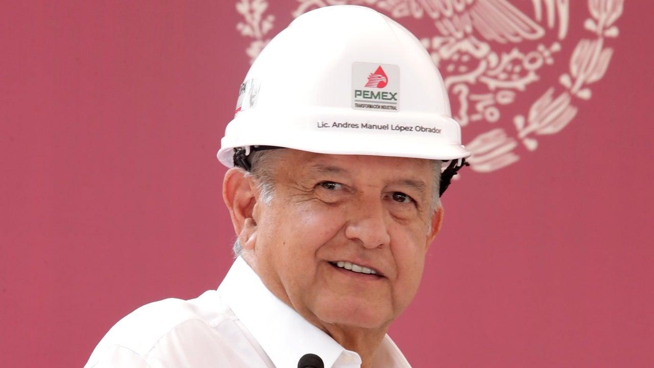 AMLO pospondría nueva reforma energética hasta 2021: Reuters