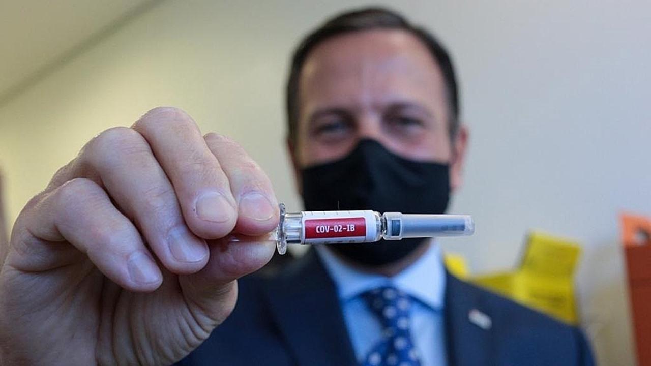 Brasil avala pruebas de una tercera vacuna contra Covid-19