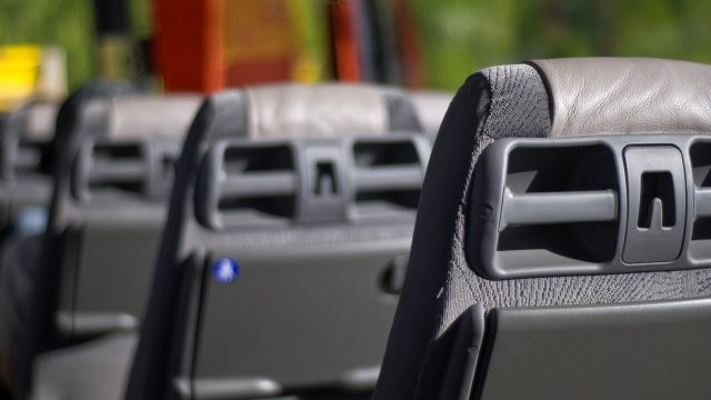 autobús autobuses