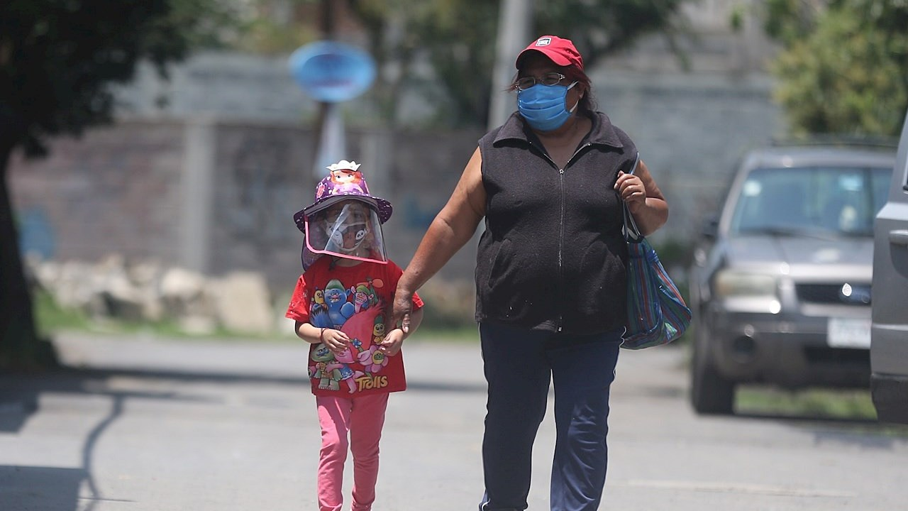CDMX dará beca de 800 pesos a menores que perdieron a un padre por Covid-19