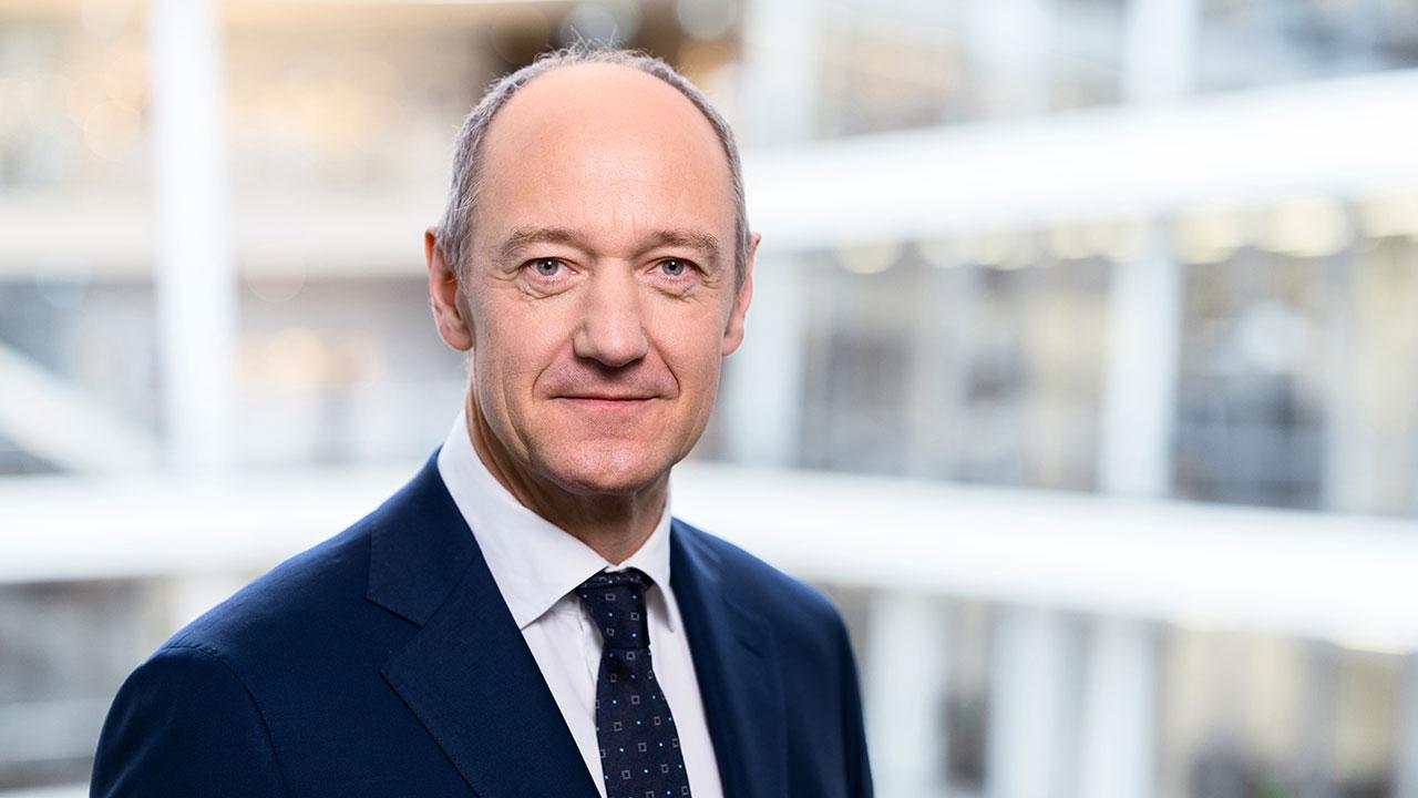 Roland Busch: el CEO que dirige a un gigante de 385,000 trabajadores desde su casa