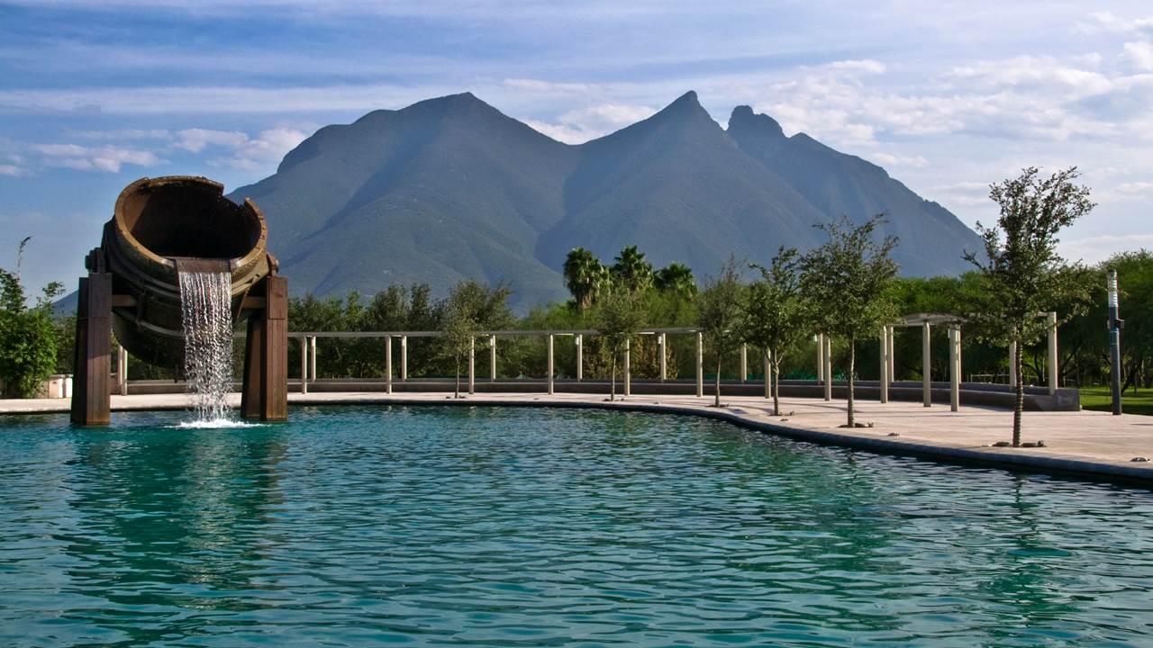 Nuevo León frena reapertura y limita actividades por Covid-19