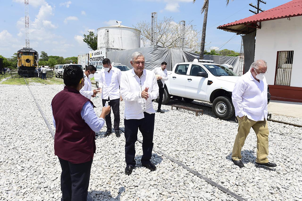 Industriales piden la intervención de AMLO para levantar bloqueos ferroviarios