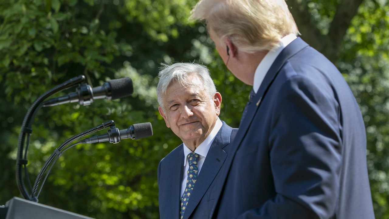 AMLO admite que evitó hablar con Trump sobre construcción del muro