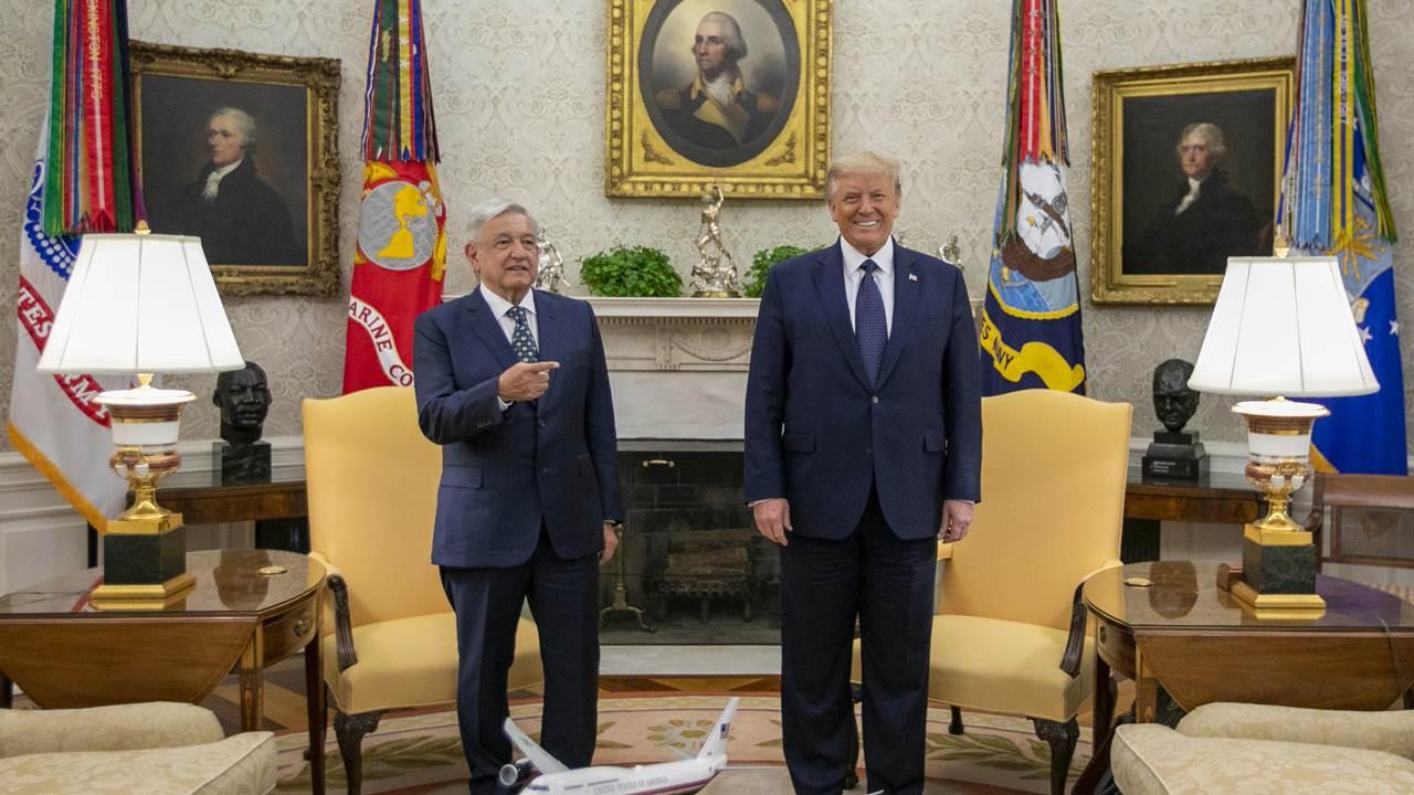 Desde la frontera, Trump manda agradecimiento a AMLO 'por su amistad'