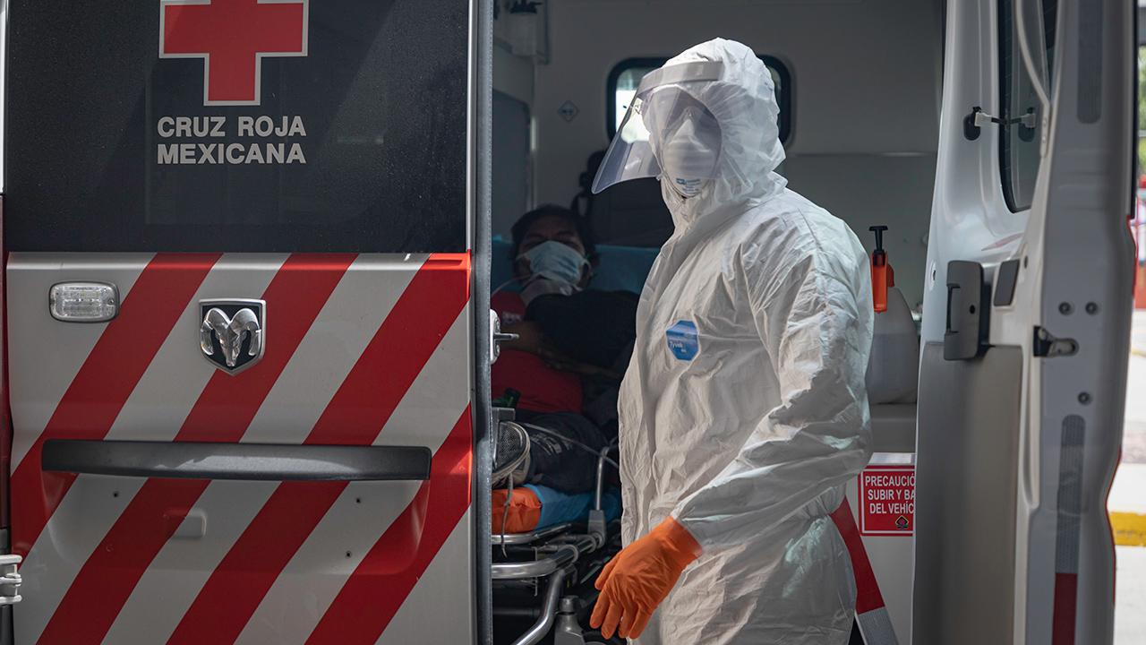 Inegi reporta al menos 22 mil muertes más por Covid-19 hasta agosto
