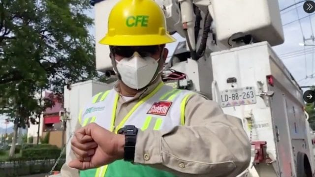 Trabajador CFE