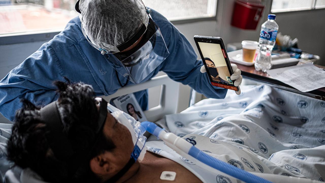 Hospitalizaciones por Covid-19 cuestan el doble a hombres que a mujeres