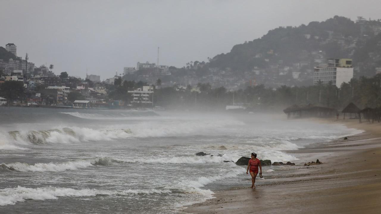 Huracán 'Genevieve' pone en riesgo a más de 8 millones de personas