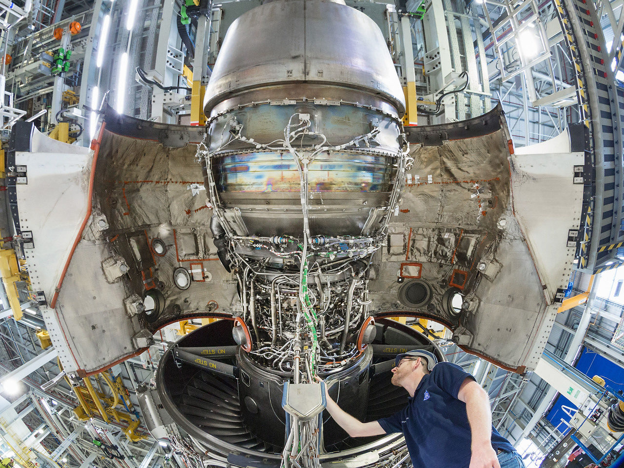 Rolls-Royce registra perdida de 7,100 mdd el primer semestre