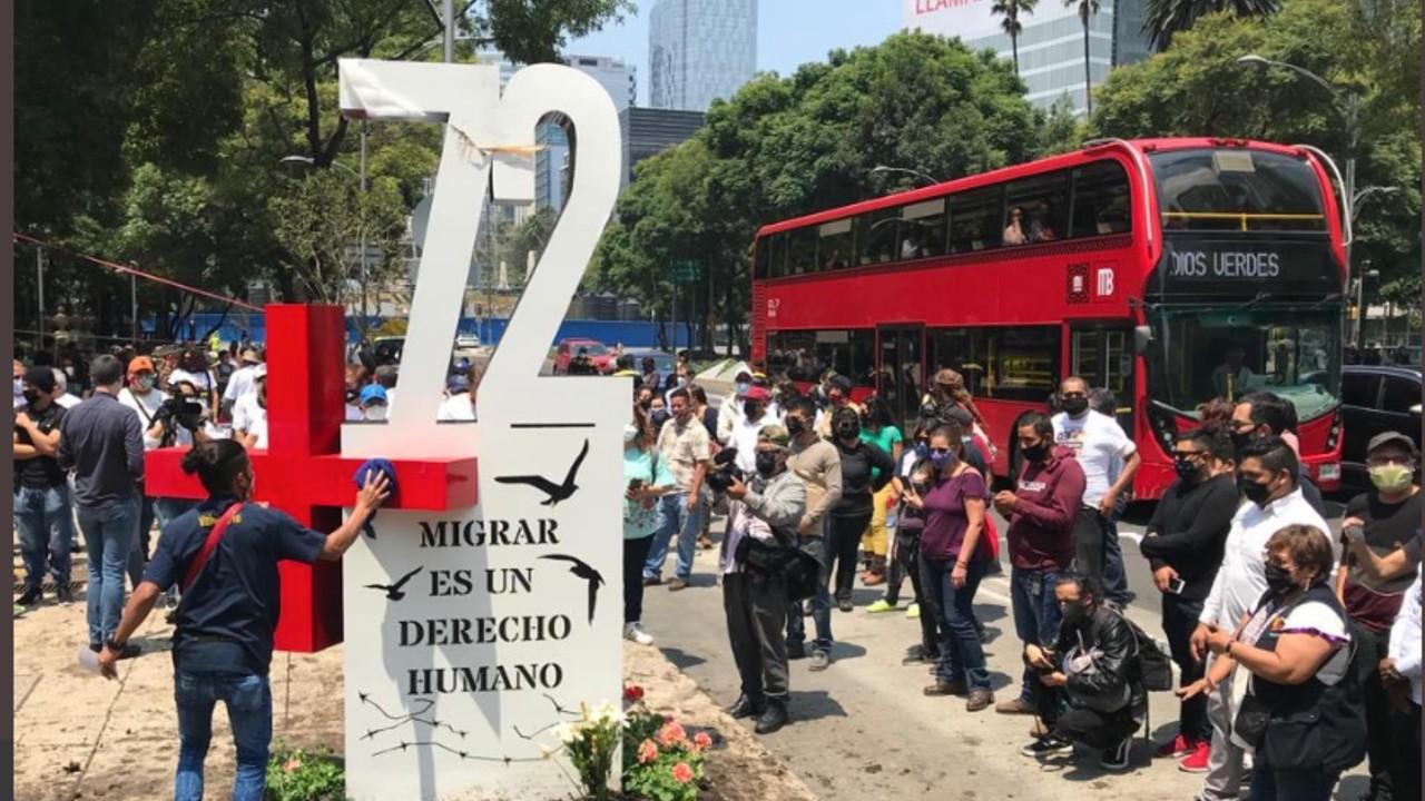 Instalan 'antimonumento' en Reforma por la masacre de San Fernando