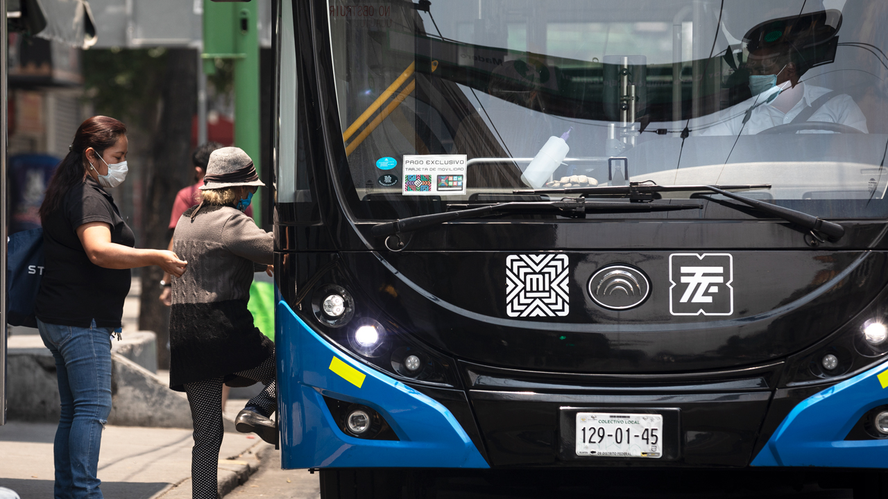 CDMX lleva registro con código QR a transporte público para rastrear contagios