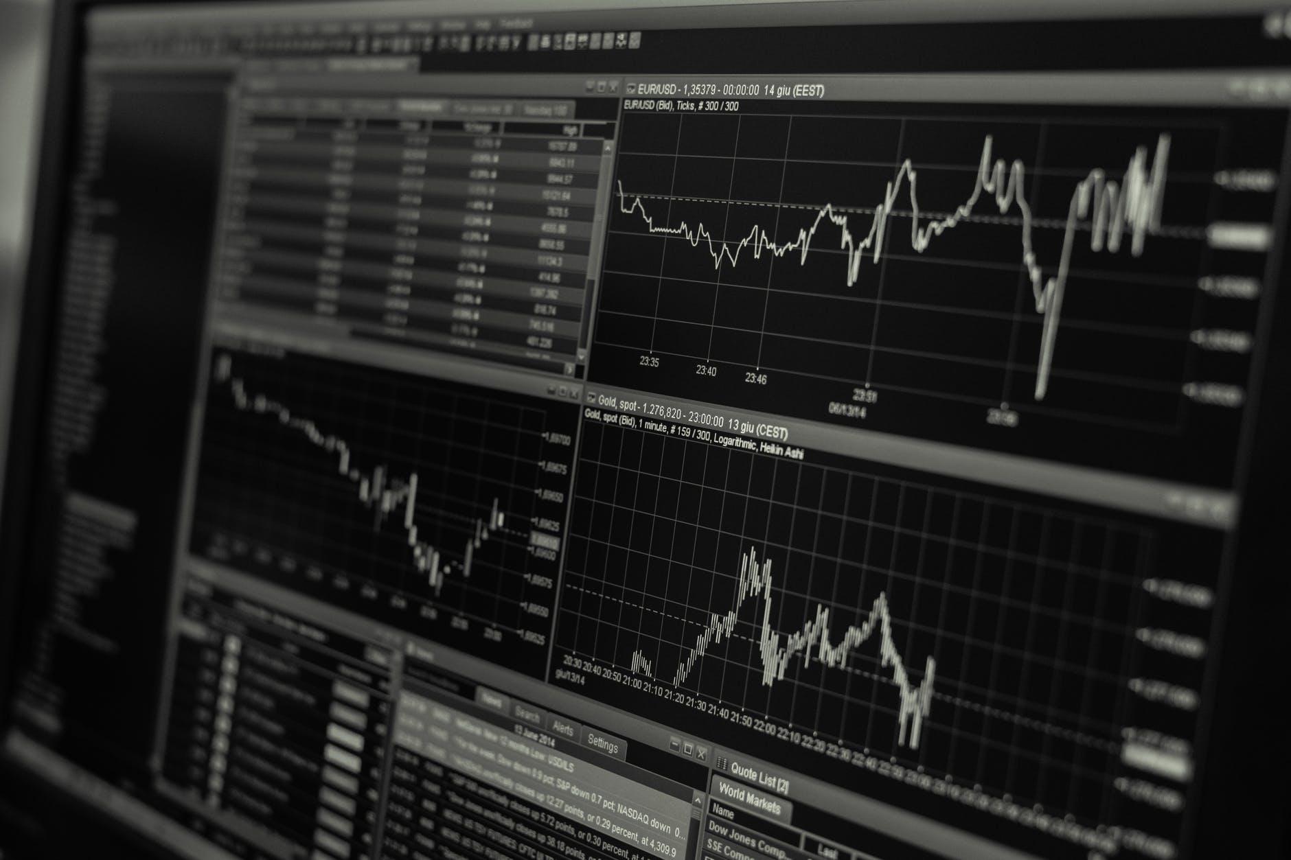 Wall Street cierra al alza ante impulso por expectativas de estímulo