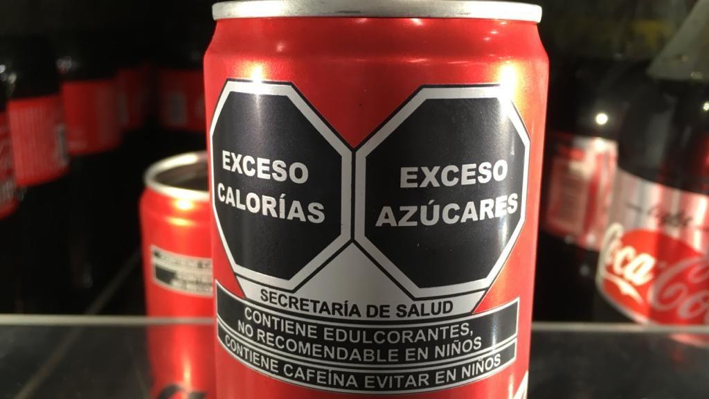 Coca-Cola Femsa promueve amparo contra nuevo etiquetado
