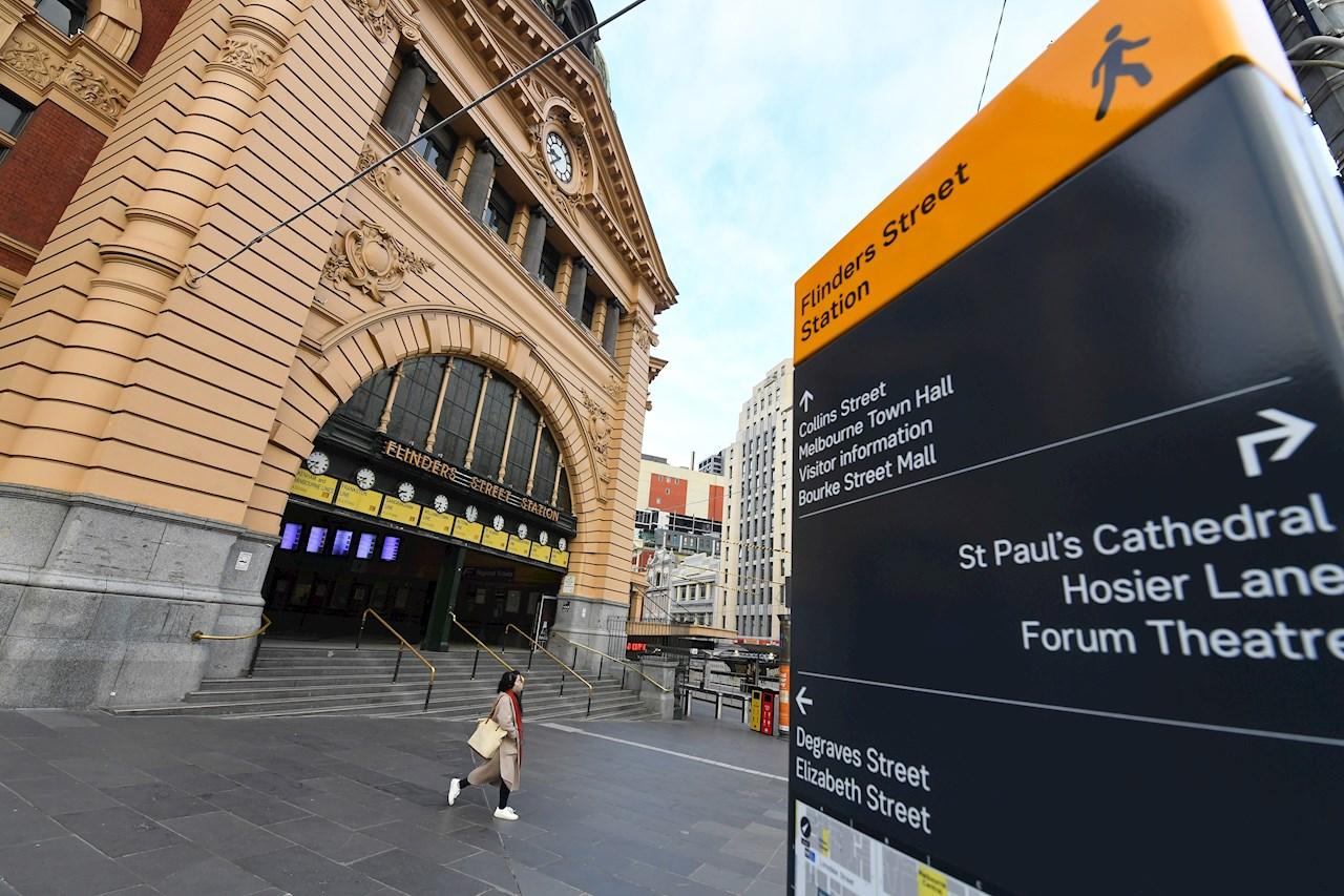 Australia impone toque de queda en Melbourne para evitar propagación de Covid-19