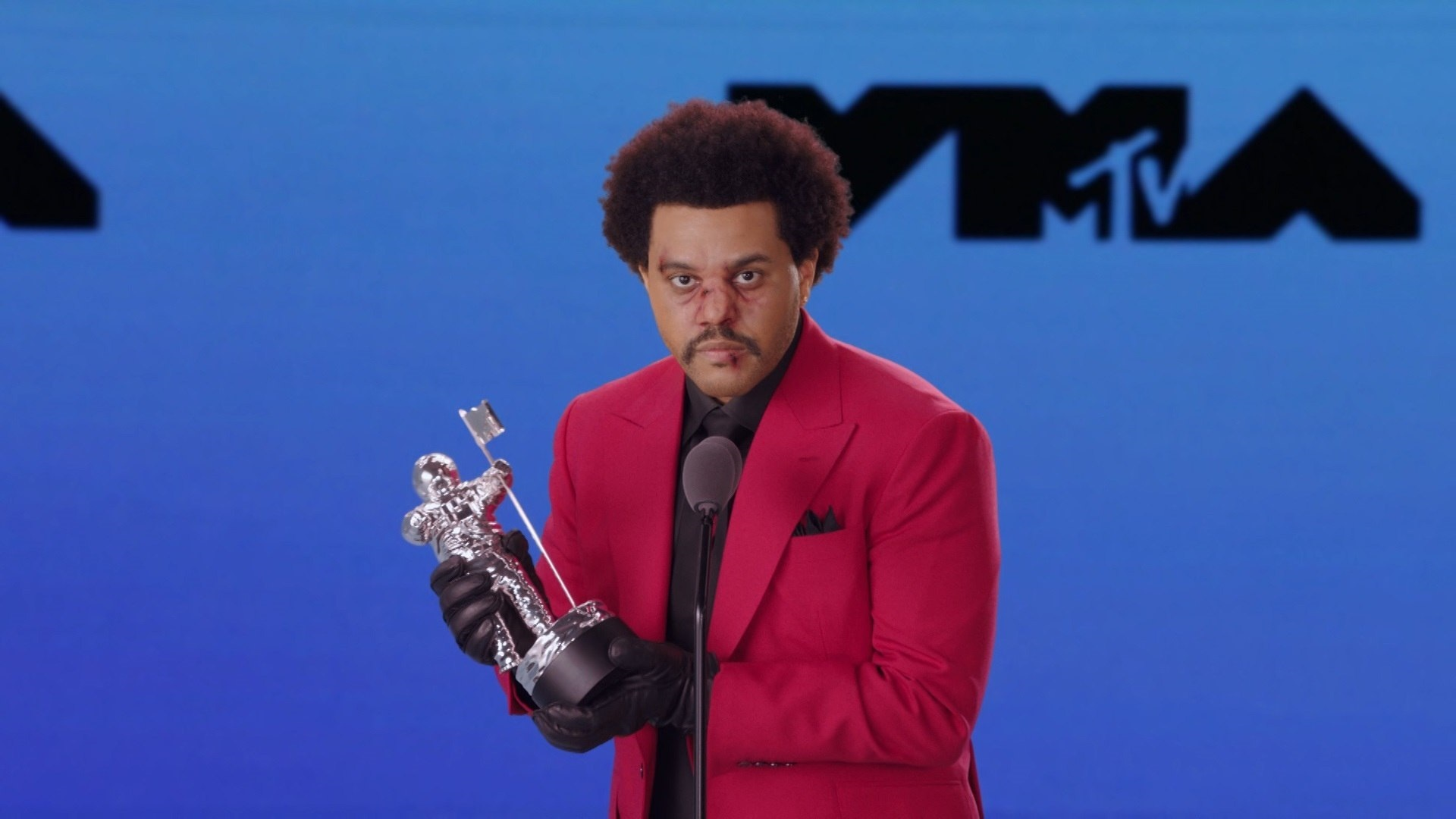"""Blinding Lights"" de The Weeknd es nombrado mejor video del año"
