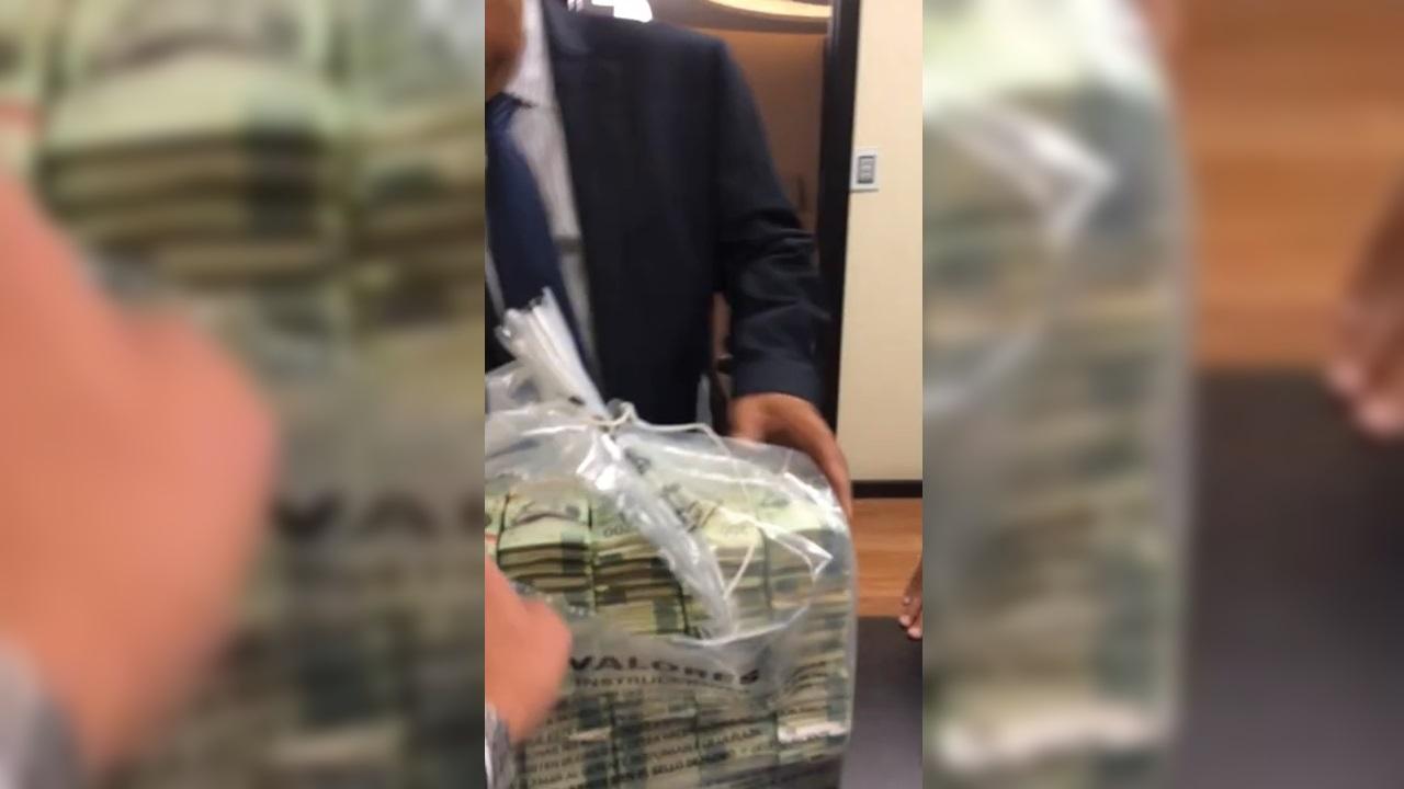 Filtran video: exfuncionarios del Senado reciben fajos de billetes de 'sobornos' de Lozoya