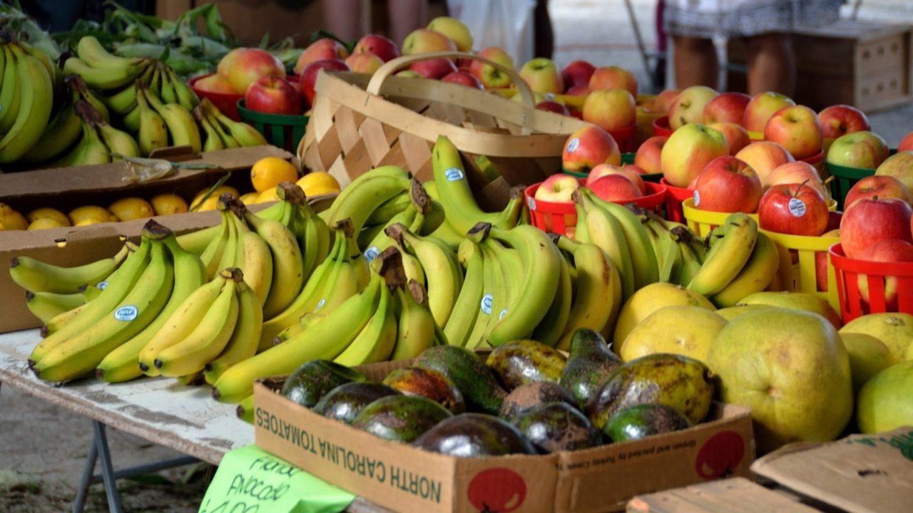 Sólo 1 de cada 2 hogares en México puede comer diario frutas y verduras