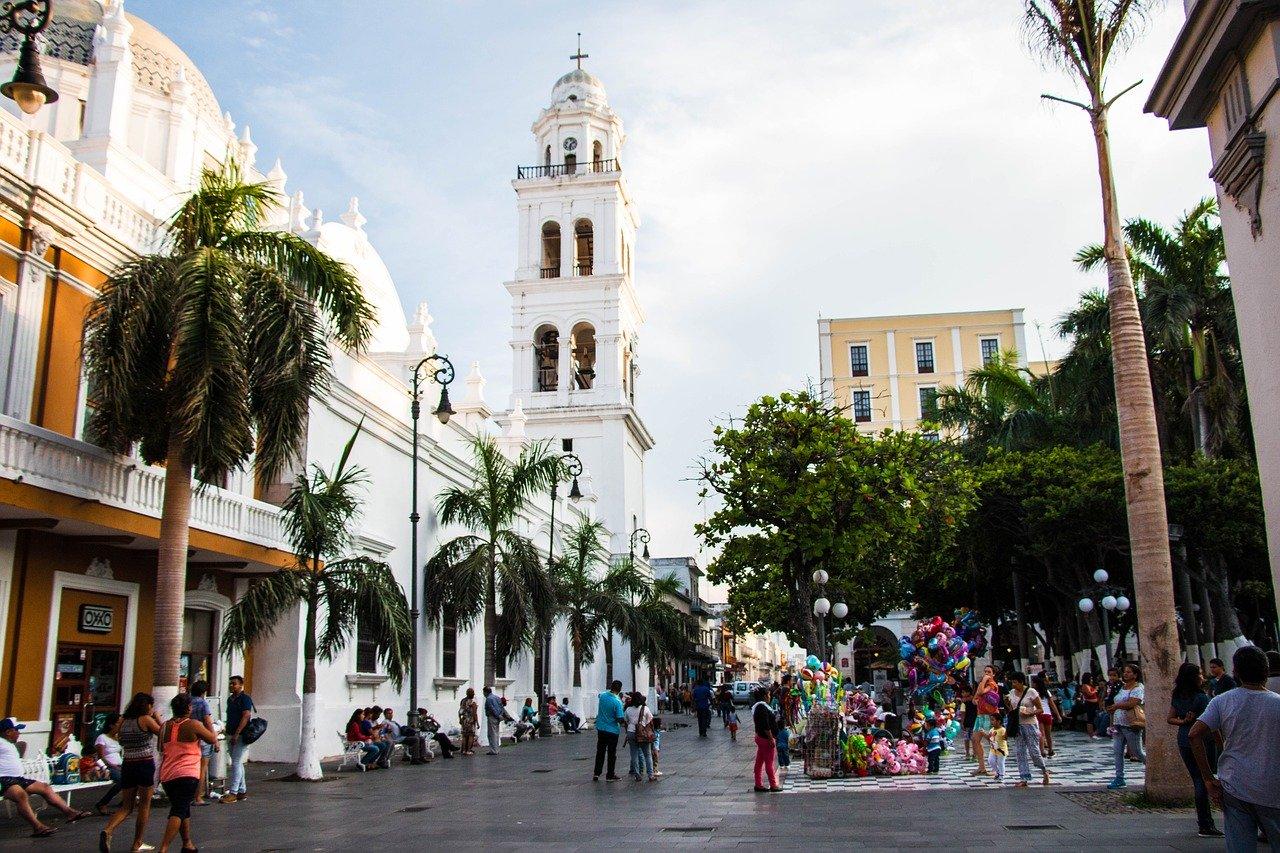 Constructores de Veracruz piden a SCT orden en procesos licitatorios